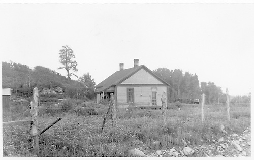 Hesperus RGS section house became a private residence.<br /> RGS  Hesperus, CO  Taken by Hilner, Ray C. - 8/21/1955