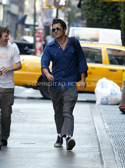 WWW.ACEPIXS.COM . . . . .  ....NEW YORK, AUGUST 2, 2005....Johnny Knoxville walking in SoHo.....Please byline: JENNIFER L GONZELES-ACE PICTURES.... *** ***..Ace Pictures, Inc:  ..Craig Ashby (212) 243-8787..e-mail: picturedesk@acepixs.com..web: http://www.acepixs.com