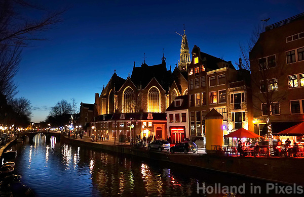 Nederland Amsterdam 2019. De Oude Kerk in het Red Light District. Foto Berlinda van Dam / Hollandse Hoogte