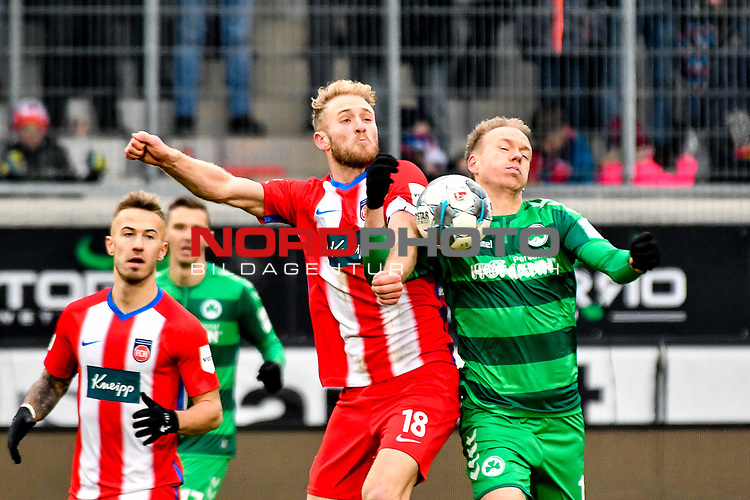 01.12.2019, Voith-Arena, Heidenheim, GER, DFL, 1. FC Heidenheim vs SpVgg Greuther Fürth, <br /> DFL regulations prohibit any use of photographs as image sequences and/or quasi-video, <br /> im Bild Zweikampf mit vollem Koerpereinsatz, Sebastian Griesbeck (Heidenheim, #18), Havard Nielsen (Fuerth, #16)<br /> <br /> Foto © nordphoto / Hafner
