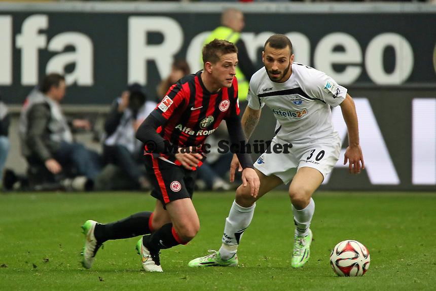 Bastian Oczipka (Eintracht) gegen Süleyman Koc (Paderborn) - Eintracht Frankfurt vs. SC Paderborn 07, Commerzbank Arena