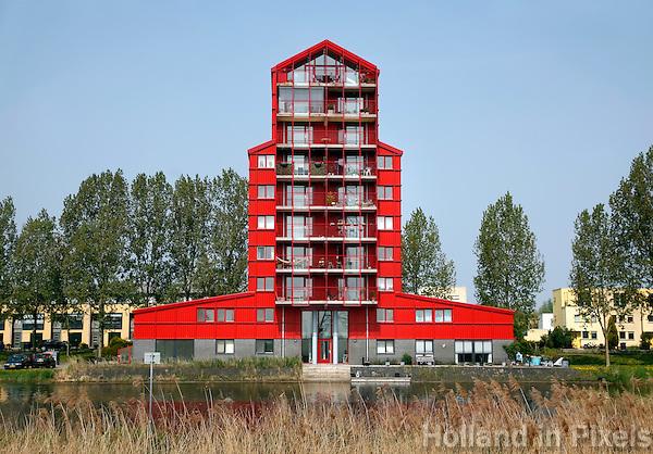 Eén van de Rode Donders van de architect Liesbeth van der Pol in Almere
