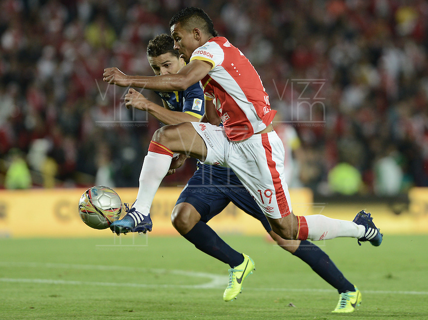 BOGOTÁ -COLOMBIA, 21-03-2015. Wilson Morelo de Santa Fe en accón durante el encuentro entre Independiente Santa Fe y Uniautonoma por de la fecha 11 de la Liga AguilaI-2015, en el estadio Nemesio Camacho El Campin de la ciudad de Bogota./ Wilson Morelo player of Santa Fe in action durong the match between Independiente Santa Fe and Uniautonoma for the 11 date of the Liga Aguila I -2015 at the Nemesio Camacho El Campin Stadium in Bogota city. Photo: VizzorImage/ Gabriel Aponte / Staff
