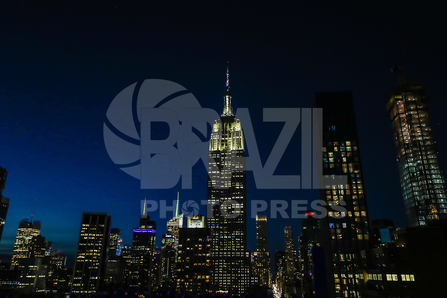 NOVA YORK, EUA - 24.05.2019 -MEMORIAL-DAY - Empire States Building é visto iluminado com as cores da bandeira americana em homenagem ao feriado de Memorial Day que homenagem ao a todos que morreram enquanto serviam nas forças armadas dos Estados Unidos. (Foto: Vanessa Carvalho/Brazil Photo Press)