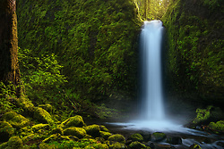 A simplified presentation of one of Oregon's most serene waterfalls.<br />