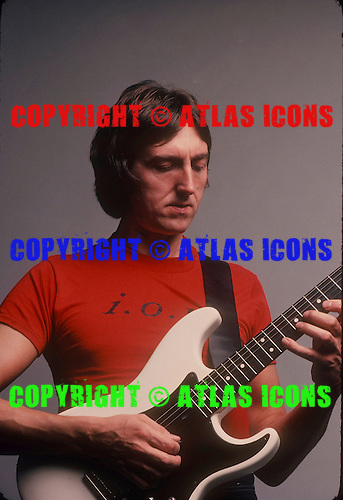 ALLAN HOLDSWORTH, STUDIO, 1982, NEIL ZLOZOWER