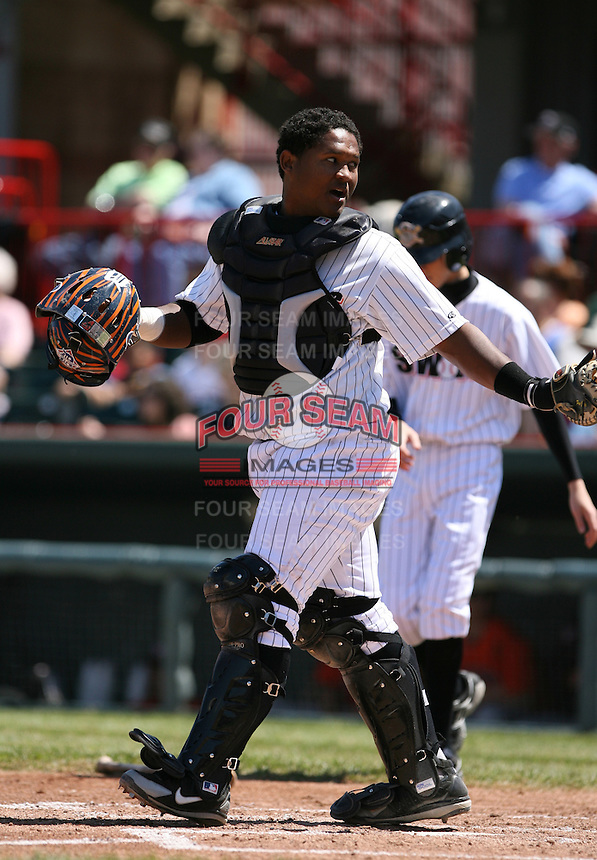 2007:  Joel Roa of the Erie Seawolves calls time on his way to the mound while catching vs. the Bowie Baysox in Eastern League baseball action.  Photo by Mike Janes/Four Seam Images