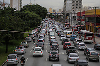 SAO PAULO, SP, 07 FEVEREIRO 2013 - TRANSITO CAPITAL PAULISTA - Transito intenso na Avenida Alcântara Machado (Radial Leste) altura da Rua Itapira sentido bairro, na Mooca regiao leste da capital paulista nesta quinta-feira, 07. (FOTO: WILLIAM VOLCOV / BRAZIL PHOTO PRESS).