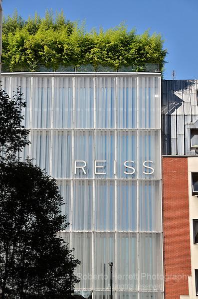 Reiss fashion store in Barrett Street W1, London, UK.
