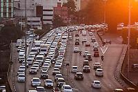 SÃO PAULO,SP, 16.06.2016 - TRÂNSITO-SP - Motoristas enfrentam lentidão nos dois sentidos do Viaduto Júlio de Mesquita Filho (corredor leste-oeste), no bairro da Bela Vista, na região central da cidade de São Paulo, nesta quinta-feira, 16 (Foto: Vanessa Carvalho/Brazil Photo Press)