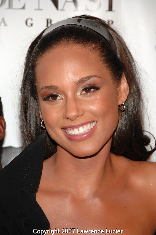 Recording artist Alicia Keys arrives at the fourth annual Black Ball to benefit Keep A Child Alive October 25, 2007, at Hammerstein Ballroom in New York City.  (Pictured : ALICIA KEYS).