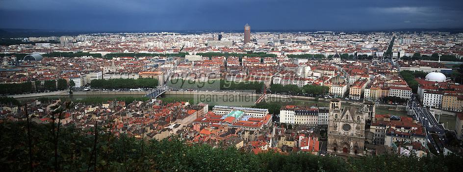 Europe/France/Rhône-Alpes/69/Rhone/Lyon: Vue générale sur la ville depuis la basilique Notre Dame de Fourvière (Sanctuaire de Fourviere)