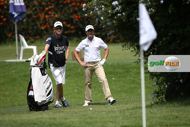Steve Webster (ENG) finds himself almost behind the hedge on the side of the 14th but make the up and down on the West Course during Round Two of the Joburg Open 2015 at the Royal Johannesburg & Kensington Golf Club, Johannesburg, Gauteng, South Africa. Picture:  David Lloyd / www.golffile.ie. 27/02/2015