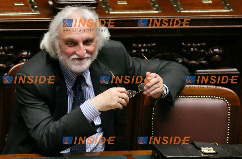 Roma, 23-05- 2006 Camera:Voto per la fiducia al governo Prodi<br /> Nella foto il ministro dei Trasporti Alessandro Bianchi<br /> Photo Serena Cremaschi Insidefoto
