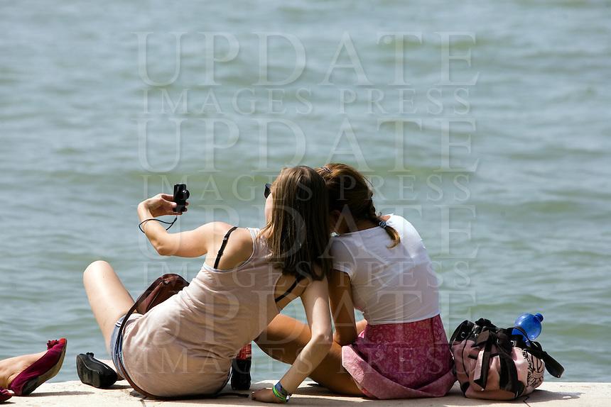 Turisti lungo le Zattere a Venezia.<br /> Tourists along the Zattere, Venice.<br /> UPDATE IMAGES PRESS/Riccardo De Luca