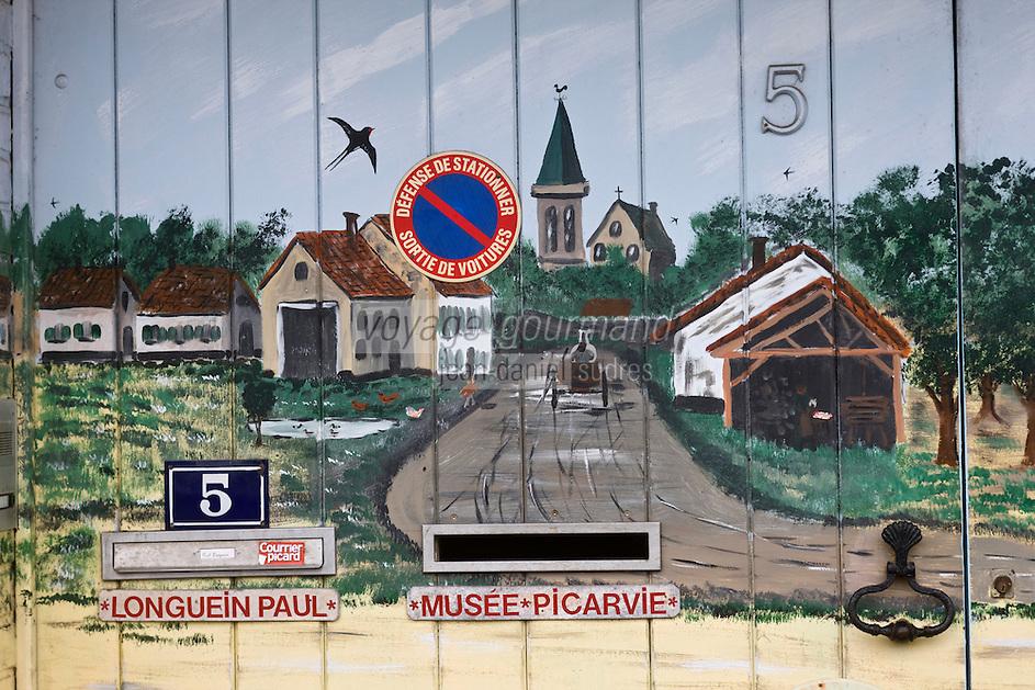 Europe/France/Picardie/80/Somme/Baie de Somme/ Saint-Valery-sur-Somme : Détail porte peinte du Musée