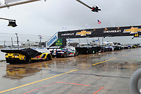 RED FLAG, CARS IN THE PIT-LANE