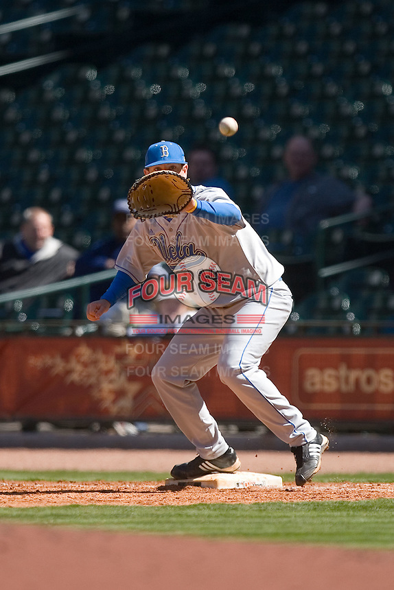 First baseman Casey Haerther #14 of the UCLA Bruins waits for a throw versus the UC-Irvine Anteaters in the 2009 Houston College Classic at Minute Maid Park March 1, 2009 in Houston, TX.  The Anteaters defeated the Bruins 7-4. (Photo by Brian Westerholt / Four Seam Images)