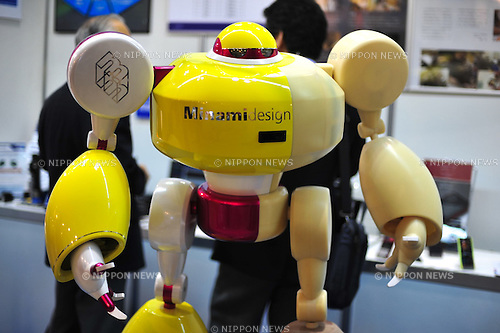 October 17, 2012, Tokyo, Japan - A robot by Minami Design inc., is displayed during Japan Robot Week 2012 at the Tokyo Bigsight. This exhibition is held to showcase new robots and high technology equipments for visitor. Japan Robot Week 2012 runs from October 17 - 19. (Photo by Yumeto Yamazaki/AFLO)