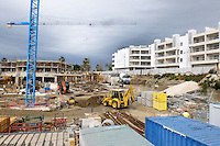 Apartment construction, Taylor Wimpey site, San Pedro de Alcantara, Marbella, Spain, April, 2016. Completed Taylor Wimpey apartments on right of picture. 201604192450<br />