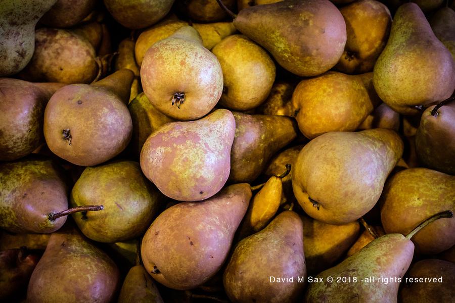 10.29.18 - Bin O'Pears....