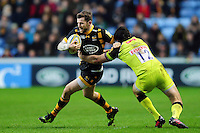 Elliot Daly of Wasps goes on the attack. Aviva Premiership match, between Wasps and Leicester Tigers on January 8, 2017 at the Ricoh Arena in Coventry, England. Photo by: Patrick Khachfe / JMP