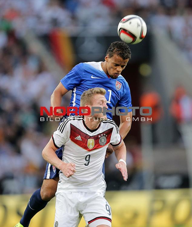DFB Freundschaftsl&auml;nderspiel, Deutschland vs. USA<br /> Andr&eacute; Sch&uuml;rrle (Deutschland), Timothy Chandler (USA)<br /> <br /> Foto &copy; nordphoto /  Bratic