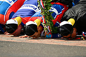 Verizon IndyCar Series<br /> Indianapolis 500 Race<br /> Indianapolis Motor Speedway, Indianapolis, IN USA<br /> Sunday 28 May 2017<br /> Takuma Sato, Andretti Autosport Honda celebrates the win on track with Michael Andretti kissing the yard of bricks<br /> World Copyright: Scott R LePage<br /> LAT Images<br /> ref: Digital Image lepage-170528-indy-10659<br /> ref: Digital Image lepage-170528-indy-10763b