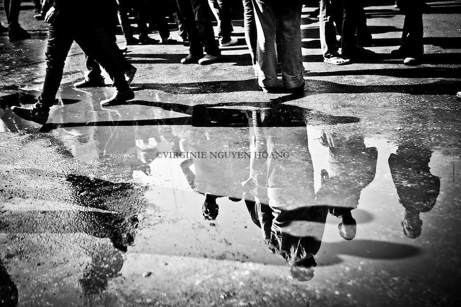 ©VIRGINIE NGUYEN HOANG.Egypt,Cairo.November 2012..One week after the beginning of the clashes, a massive new concrete wall was erected on Qasr el-Aini street leading to Cairo's Tahrir Square. ..