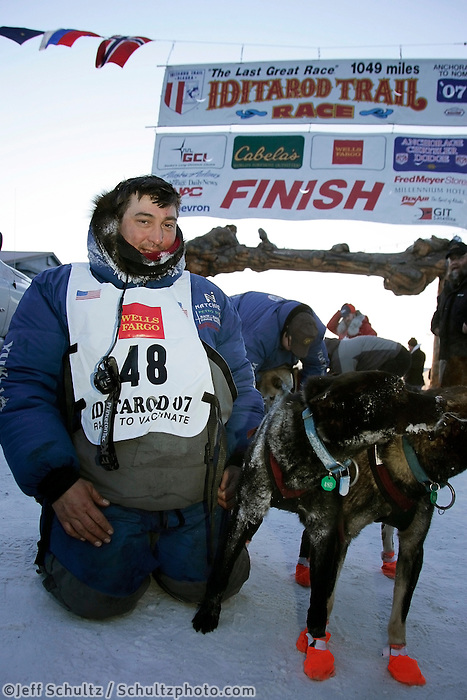 Wednesday March 14, 2007   ----   arrives at the finish line in Nome