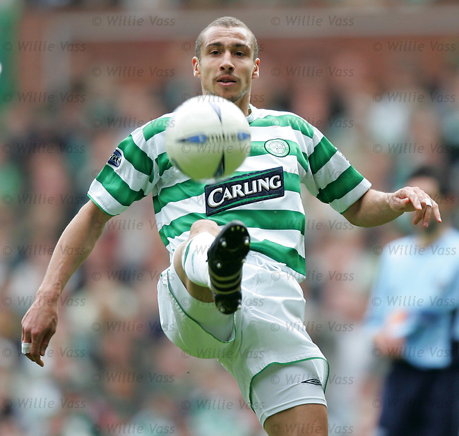 Henrik Larsson, Celtic.stock season 2003-2004.pic willie vass