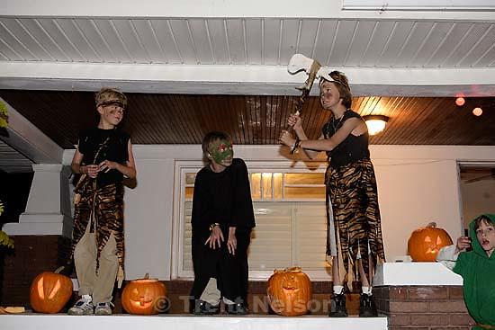 Noah Nelson, Nathaniel Nelson, August Granath and Alexander Granath on Halloween<br />