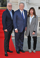 David Linde, Al Gore and Diane Weyermann at the &quot;An Inconvenient Sequel: Truth to Power&quot; Film4 Summer Screen opening gala, Somerset House, The Strand, London, England, UK, on Thursday 10 August 2017.<br /> CAP/CAN<br /> &copy;CAN/Capital Pictures /MediaPunch ***NORTH AND SOUTH AMERICAS ONLY***