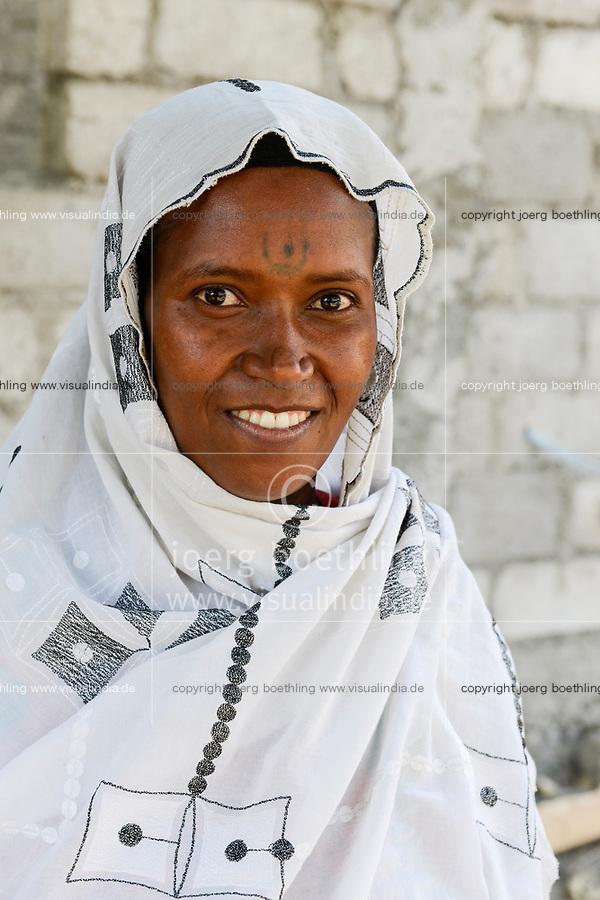 ETHIOPIA , Dire Dawa, Oromo woman with headscarf and tattoo on the forehead / AETHIOPIEN, Dire Dawa, Oromo Frau mit Kopftuch und Stirn Tattoo