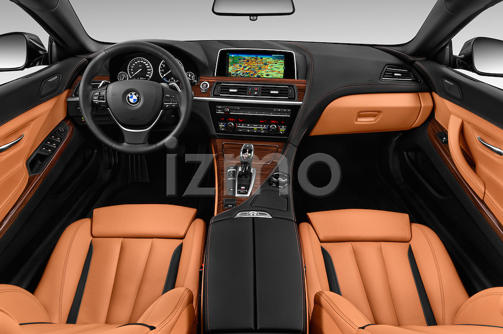 Stock photo of straight dashboard view of 2015 BMW 6 Series 640i 2 Door Convertible Dashboard