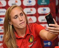 2017072é - RIJEN , NETHERLANDS :   Janice Cayman pictured during a Facebook Live session  at the Van Der Valk Hotel in Gilze , The Netherlands PHOTO SPORTPIX.BE | DIRK VUYLSTEKE