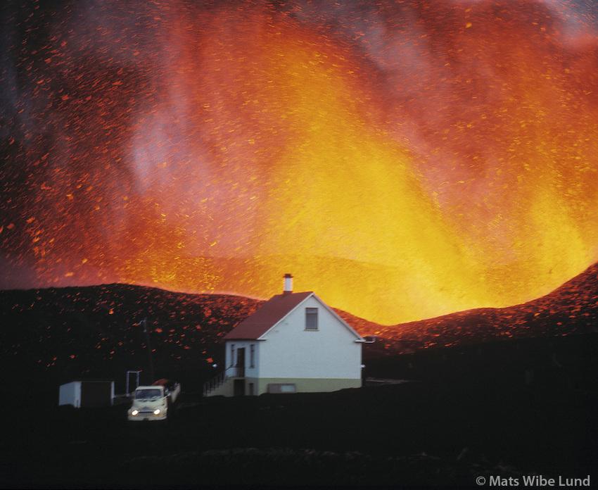 Á fyrstu dögum gosins Heimaey 1973 /.The eruption in Heimaey - Westman Island 1973