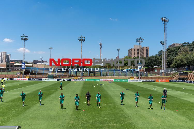 11.01.2019, Bidvest Stadion, Braampark, Johannesburg, RSA, FSP, SV Werder Bremen (GER) vs Bidvest Wits FC (ZA)<br /> <br /> im Bild / picture shows <br /> <br /> Die Mannschaft vom SVW bereitet sich auf das Spiel vor<br /> <br /> <br /> warm up<br /> <br /> Foto © nordphoto / Kokenge