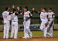 Naranjeros gana 6 carreras por 2 de Tomateros , durante el tercer juego de la Serie entre Tomateros de Culiacán vs Naranjeros de Hermosillo en el Estadio Sonora. Segunda vuelta de la Liga Mexicana del Pacifico (LMP) **26Dici2015.<br /> **CreditoFoto:LuisGutierrez<br /> **<br /> Shares during the third game of the series between Culiacan Tomateros vs Orange sellers of Hermosillo in Sonora Stadium. Second round of the Mexican Pacific League (PML)