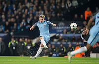 Kevin De Bruyne of Manchester City scores his goal from a free kick during the UEFA Champions League match between Manchester City and Barcelona at the Etihad Stadium, Manchester, England on 1 November 2016. Photo by Andy Rowland / PRiME Media Images.