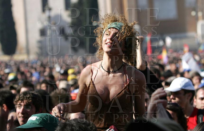 Tradizionale concerto del Primo Maggio organizzato da Cgil, Cisl e Uil in piazza San Giovanni, Roma, 1 maggio 2008..Traditional May Day concert in St. John Lateran's Square, Rome, 1 may 2008..UPDATE IMAGES PRESS/Riccardo De Luca
