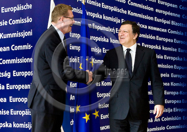 BRUSSELS - BELGIUM - 17 JUNE 2010 -- EU-Summit hosted by the Spanish Presidency. -- Matti VANHANEN, Prime Minister of Finland having a farewell visit to José Manuel BARROSO, President of the European Commission at the Commission HQ, the Berlaymont buildng.  -- PHOTO: Juha ROININEN / EUP-IMAGES