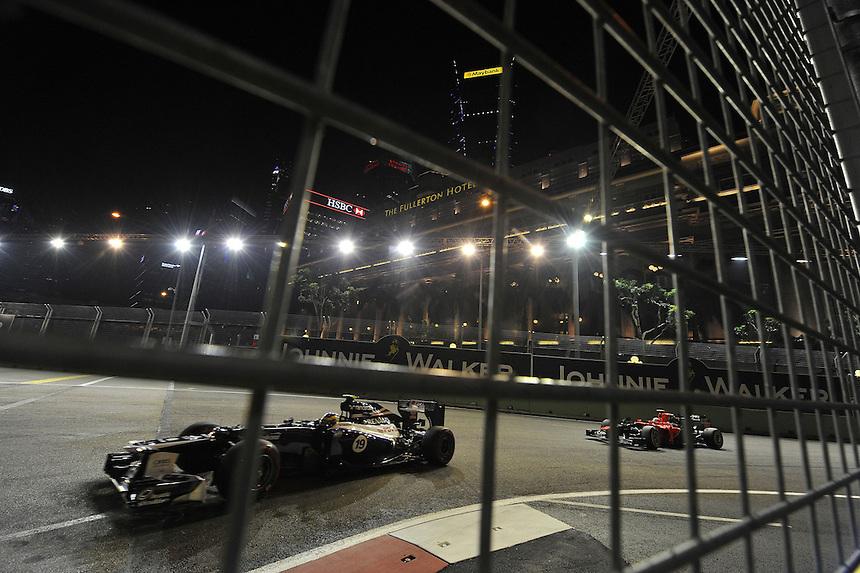 .Bruno Senna [BRA] Williams F1 Team - Timo Glock (GER), Marussia F1 Team  ..2012 FIA Formula One World Championship - Singtel Formula One Grand Prix, Marina Bay Street Circuit, Singapore, Singapore, Friday 21st September 2012...