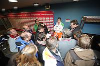 SCHAATSEN: BOEDAPEST: Essent ISU European Championships, 07-01-2012, Sven Kramer NED staat na de wedstrijd journalisten te woord, ©foto Martin de Jong