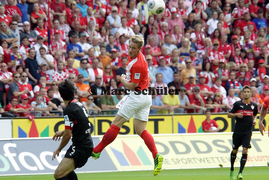 Kopfball Sebastian Polter (Mainz) gegen Serdar Tasci (VfB) - Mainz 05 vs. VfB Stuttgart