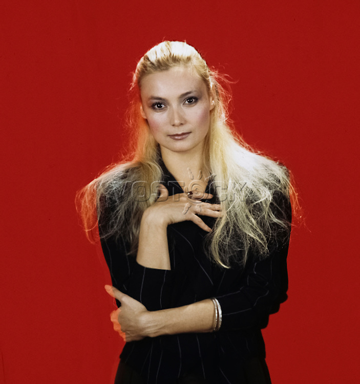 Larisa Belogurova - actress, soloist of the Music Hall, a professional athlete (rhythmic gymnastics). 1990 / Лариса Белогурова - киноактриса, солистка Мюзик-холла, профессиональная спортсменка (художественная гимнастика). 1990 год.