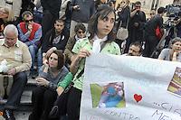 Roma, 19 Maggio 2012.Piazza del Pantheon.Sit in contro le mafie in ricordo di Melissa la studentessa uccisa stamattina nell'attentato davanti la scuola Morvillo Falcone di Brindisi