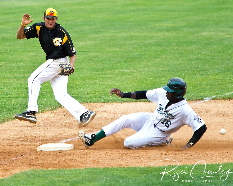 Michael White hit a two out single in the bottom of the seventh inning to score Sean Trent, giving the Vermont Mountaineers  a 7-6 victory over North Adams in game one of a double header at Montpelier Recreation Field.