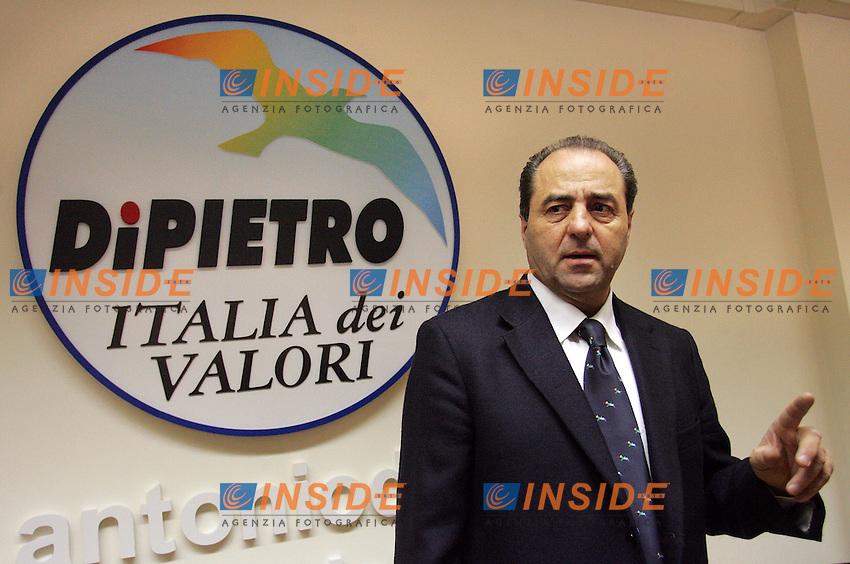 ANTONIO DI PIETRO<br /> Roma 30/03/2010 Elezioni REgionali. Conferenza stampa di Antonio di Pietro.<br /> Press conference of Antonio di Pietro.<br /> Photo Samantha Zucchi Insidefoto