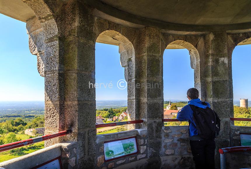 France, Creuse (23), Toulx-Sainte-Croix, vue sur le village depuis la tour d'observation panoramique // France, Creuse, Toulx Sainte Croix, view on the village from the the panoramic observation tower